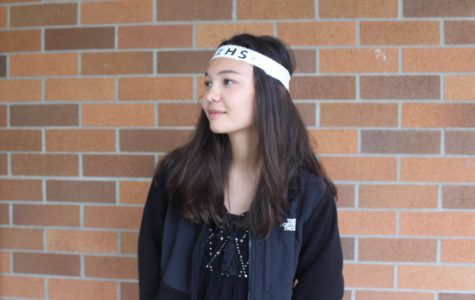 Becca Vinson wearing the custom IHS headband given to her by her Link leaders.  During the campus tour Link groups donned costumes and props to compete for the title of most creative Link group theme.