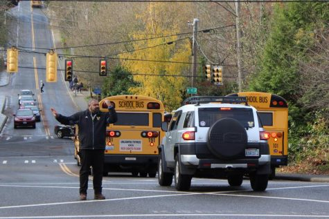 School grapples with traffic