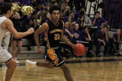 Boys Basketball improving in the midst of a tough 2017-2018 campaign