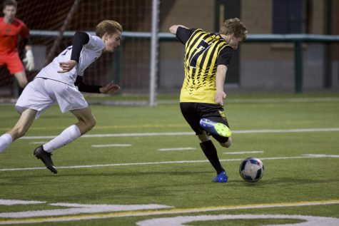 Boys soccer hopes to edge a playoff spot