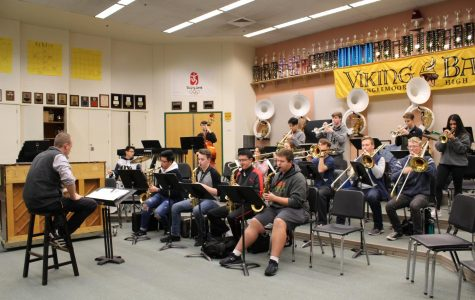 Conductor Charlie Fix leads Jazz 1 through new music on a sleepy Monday morning.
