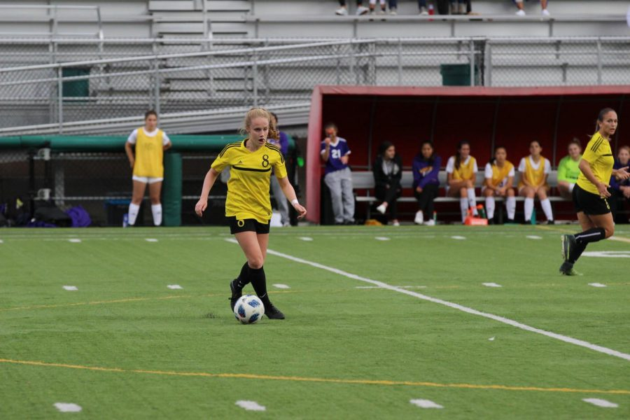 Inglemoor's girls soccer takes 4th place at state